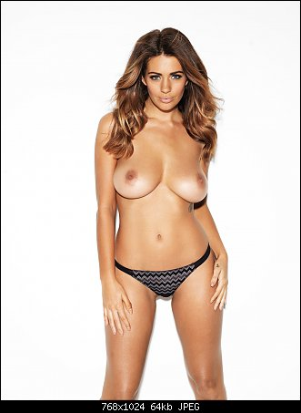 Casual Holly Peers Topless Shoot August Uuhq Images 1